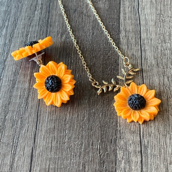 Jewelry - Sunflower earrings and necklace